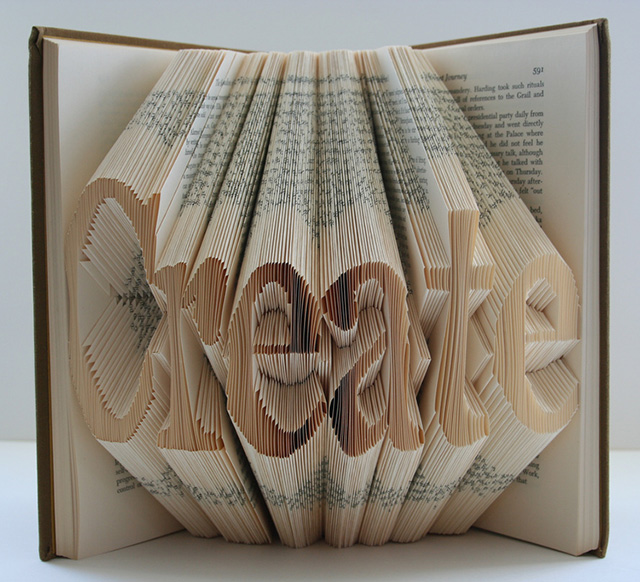 Book art gretha scholtz for 3d art sculpture ideas