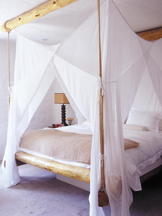 canopy bed | Gretha Scholtz