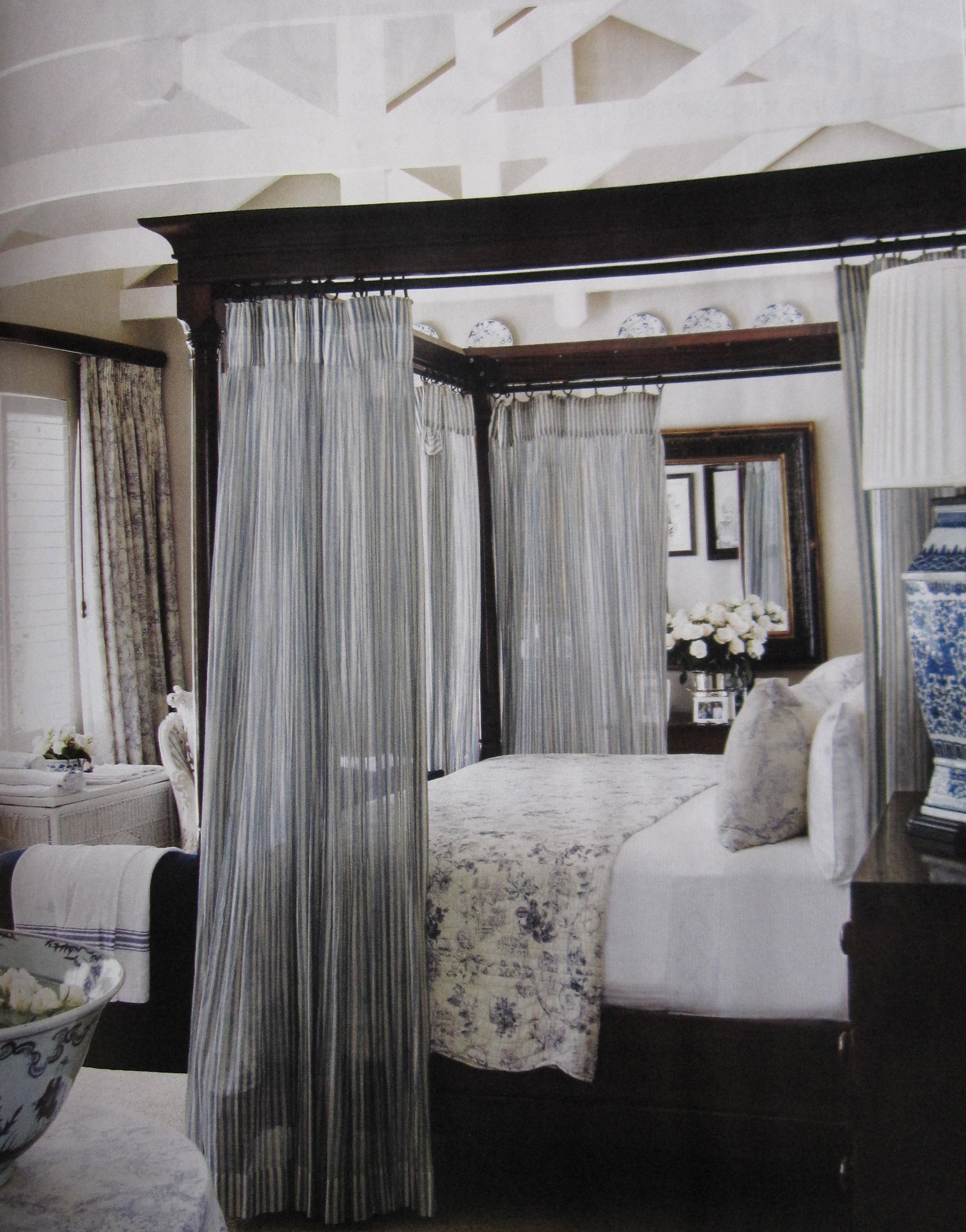 Canopy bed gretha scholtz for Bedroom inspiration
