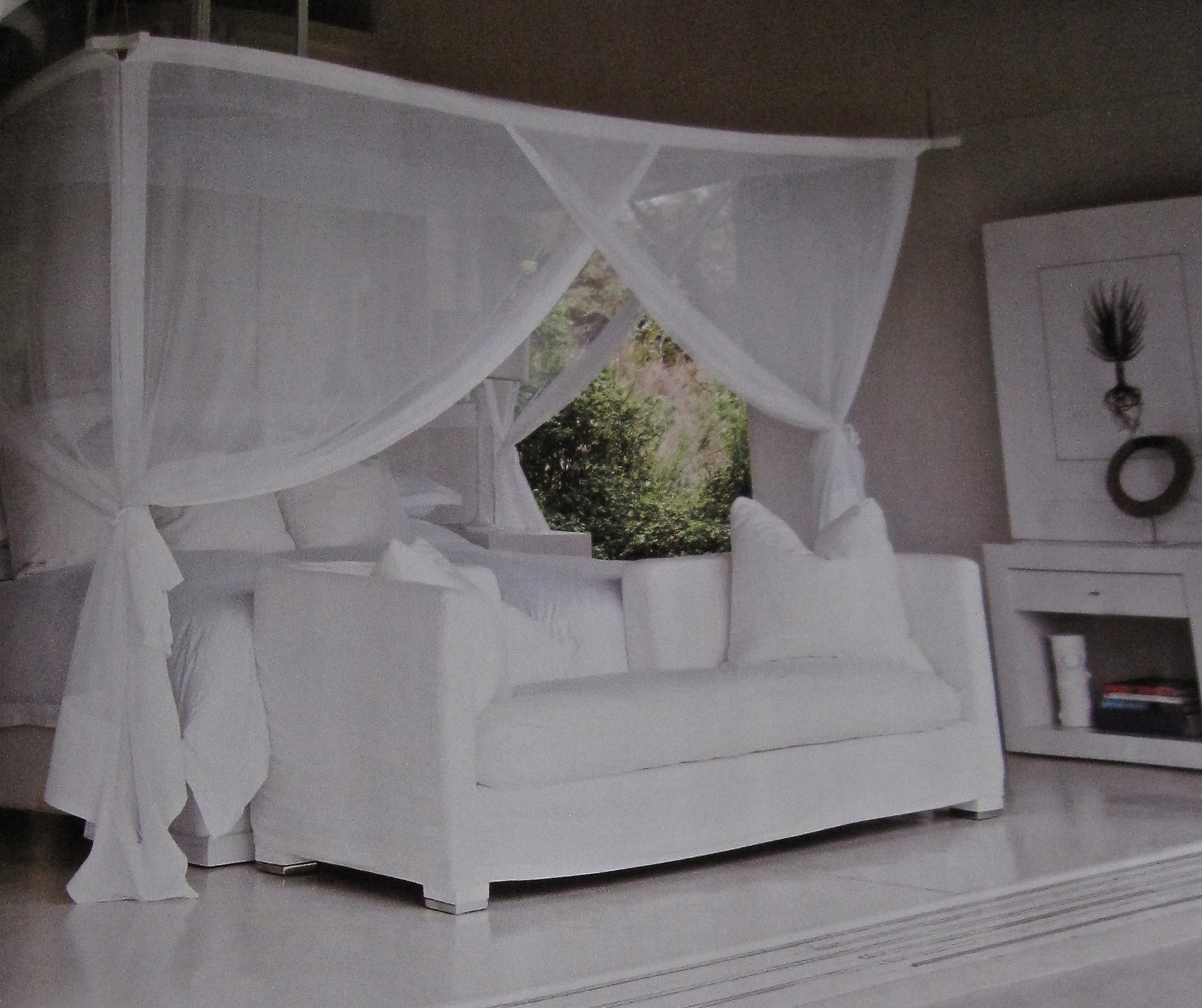 Canopy bed gretha scholtz for White bedroom canopy