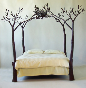 A wonderfully quirky bed. & Dreamy canopy beds | Gretha Scholtz