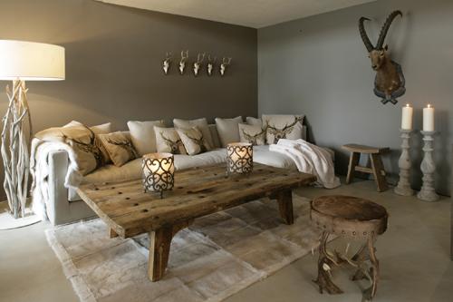 decorating with antlers gretha scholtz. Black Bedroom Furniture Sets. Home Design Ideas